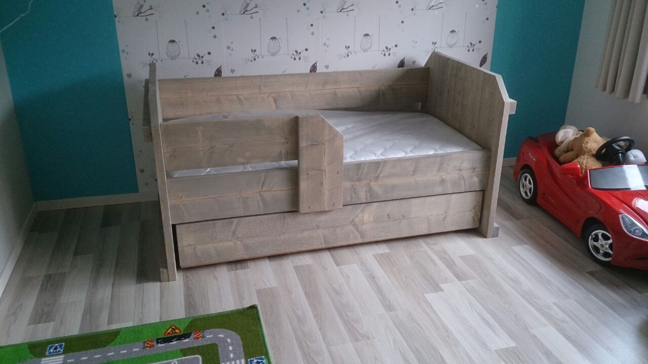 bed dylian